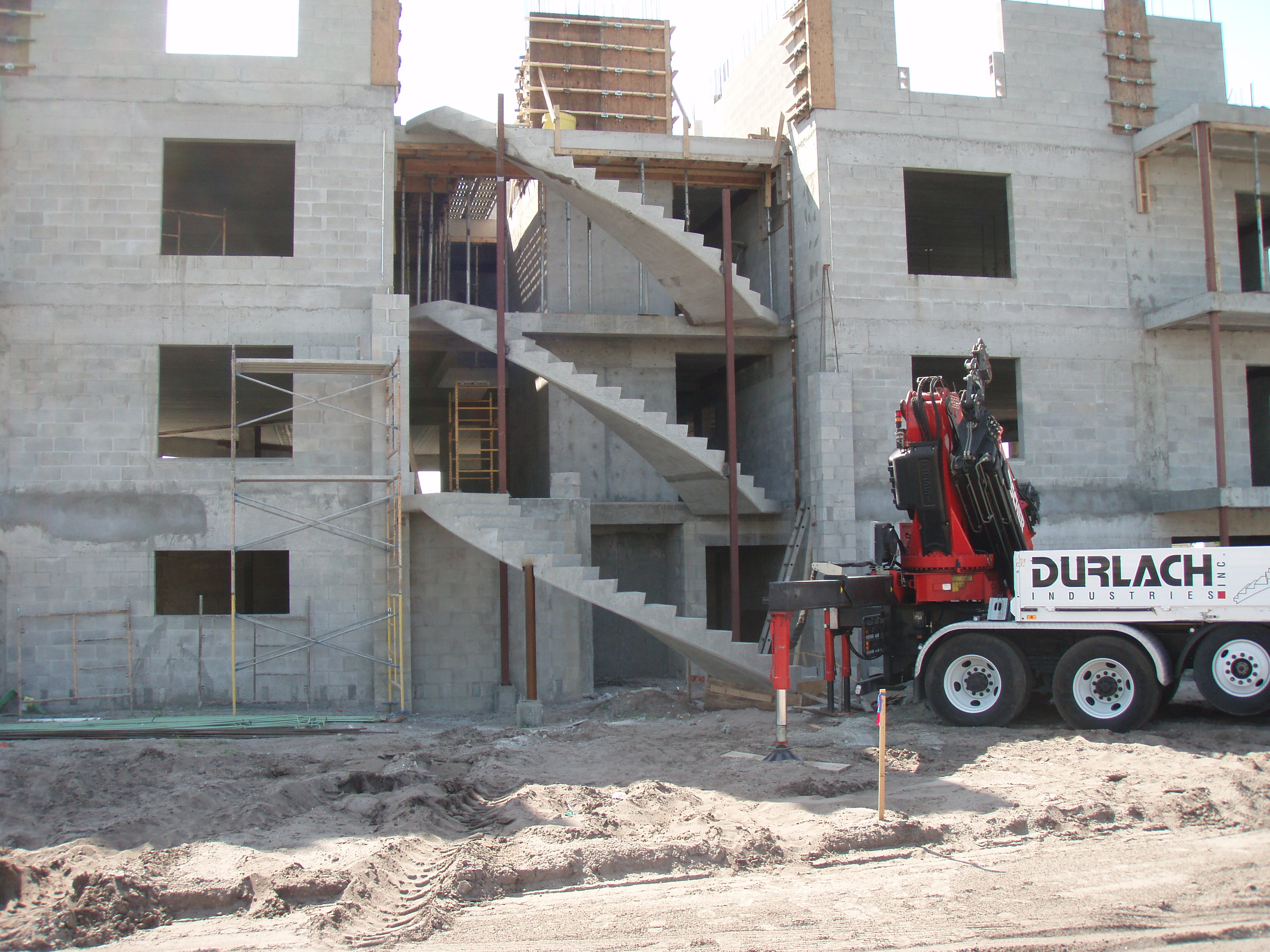Durlach Industries | High quality precast concrete stairs
